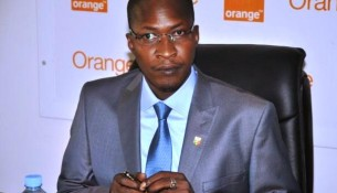 Housseini_Amion_Guindo__Ministre_des_Sports_971210280_880163257