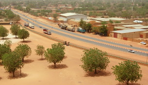 Blvd_Mali_Bero_from_grand_mosquee_niamey